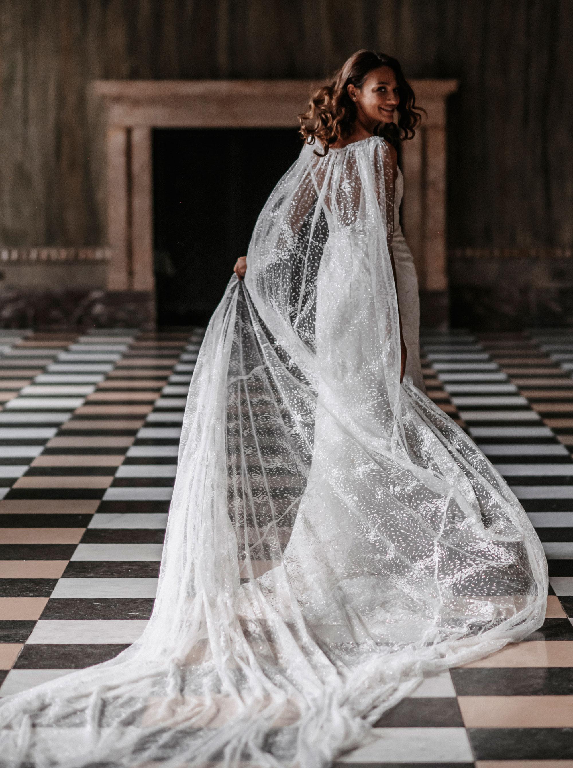 Diane Legrand Royal Lucia Hinten