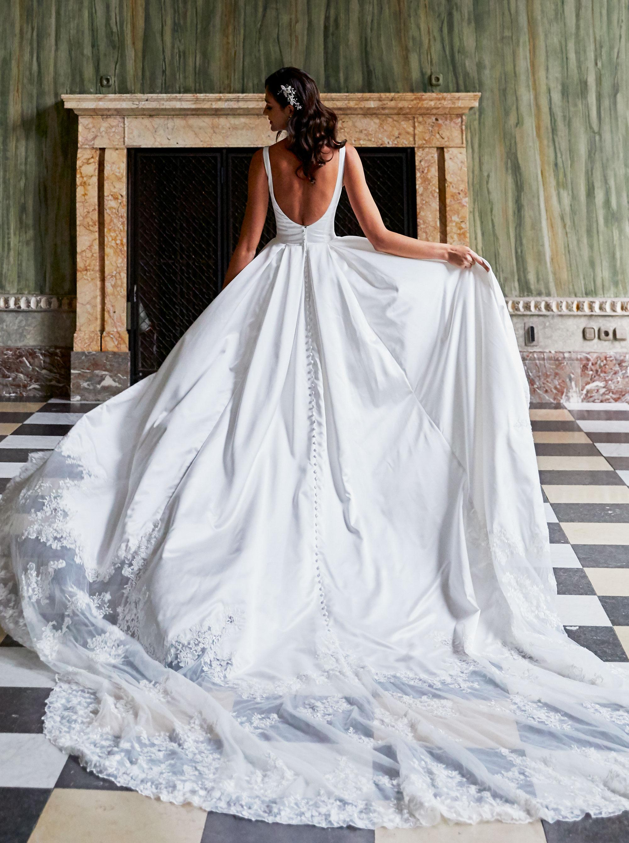 Diane Legrand Royal Romina hinten